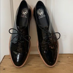 Never worn! Vince Camuto patent leather oxford